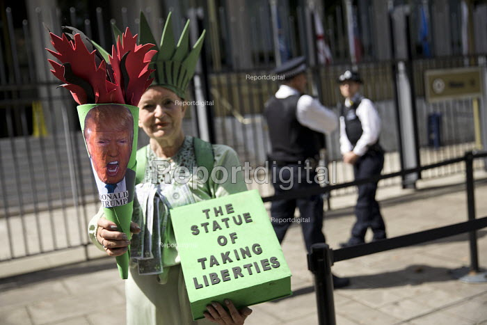 Anti war protest US Embassy London aftert Fire and Fury threat by Donald Trump against North Korea, organised by CND and Stop the War Coalition - Jess Hurd - 2017-08-11