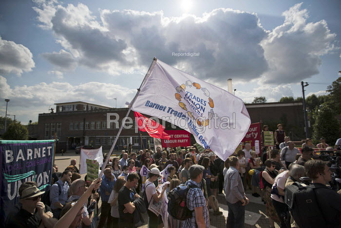 Rally outside McDonalds HQ ahead of a pay strike by workers, East Finchley, London. Fast Food Rights Campaign want &pound10 an hour, end to zero hour contracts and union rights - Jess Hurd - 2017-09-02