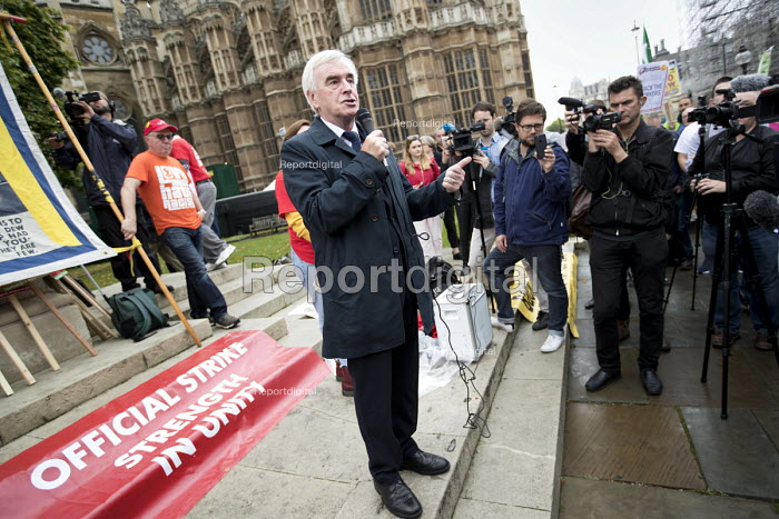 John McDonnell MP speaking at McDonalds workers strike rally, Westminster, London. Fast Food Rights Campaign want 10 pounds an hour, end to zero hour contracts and union rights - Jess Hurd - 2017-09-04