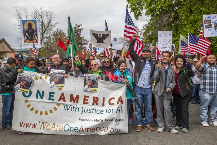 Yakima, Washington, USA A Day Without Immigrants, Farm workers march through Yakima on May day and protest the continued deportation and detention of immigrants - David Bacon - 2017-05-01