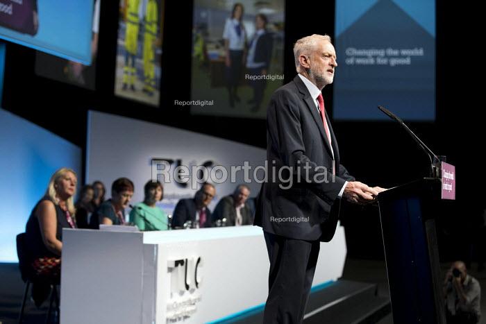 Jeremy Corbyn speaking TUC Congress, Brighton 2017 - Jess Hurd - 2017-09-12