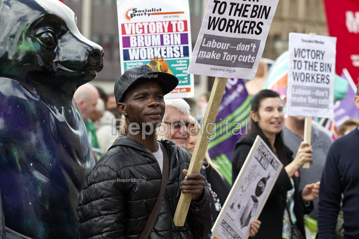 Rally supporting bin workers strike, Victoria Square, Birmingham. The Labour council have issued redundancies to 113 binmen - John Harris - 2017-09-17