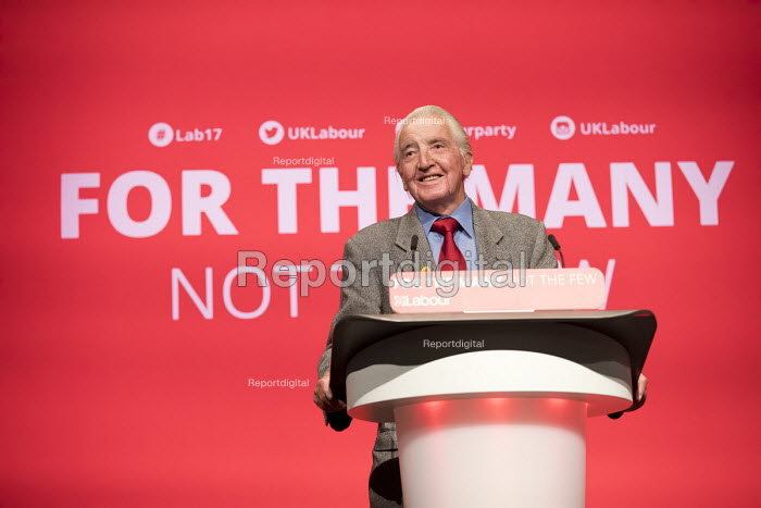 Dennis Skinner speaking Labour Party Conference, Brighton 2017 - Jess Hurd - 2017-09-25