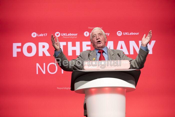 Dennis Skinner speaking Labour Party Conference, Brighton 2017 - Jess Hurd - 2017-09-25