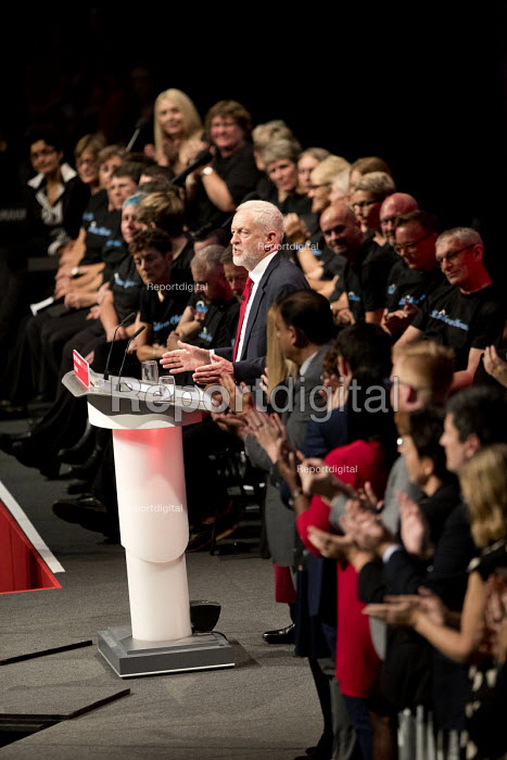 Jeremy Corbyn speaking, Labour Party Conference, Brighton 2017 - Jess Hurd - 2017-09-27