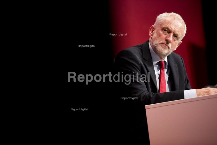 Jeremy Corbyn listening to Tom Watson speaking Labour Party Conference, Brighton 2017 - Jess Hurd - 2017-09-26