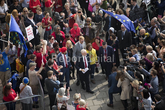 Jeremy Corbyn with supporters arriving, Labour Party Conference, Brighton 2017 - Jess Hurd - 2017-09-27
