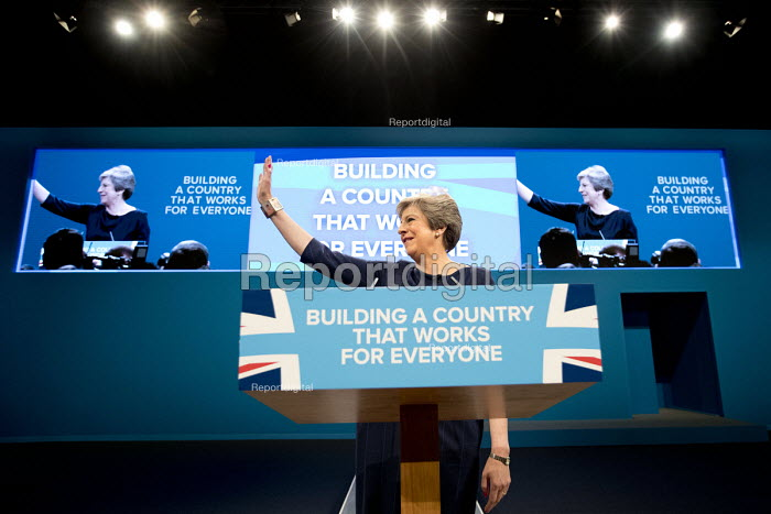 Theresa May with Frida Kahlo bracelet speaking Conservative Party Conference, Manchester 2017 - Jess Hurd - 2017-10-04