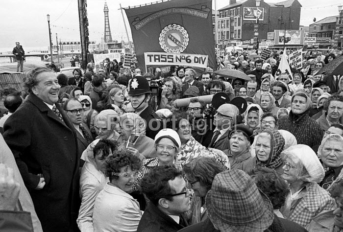 Annual pensioners demonstration at TUC conference 1973, with Vic Feather TUC Gen Sec (L) Blackpool - Martin Mayer - 1973-09-02
