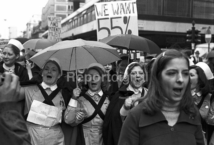Nurses protest in support of a 55 pay claim, London, 1974 - NLA, NLA1706023.jpg