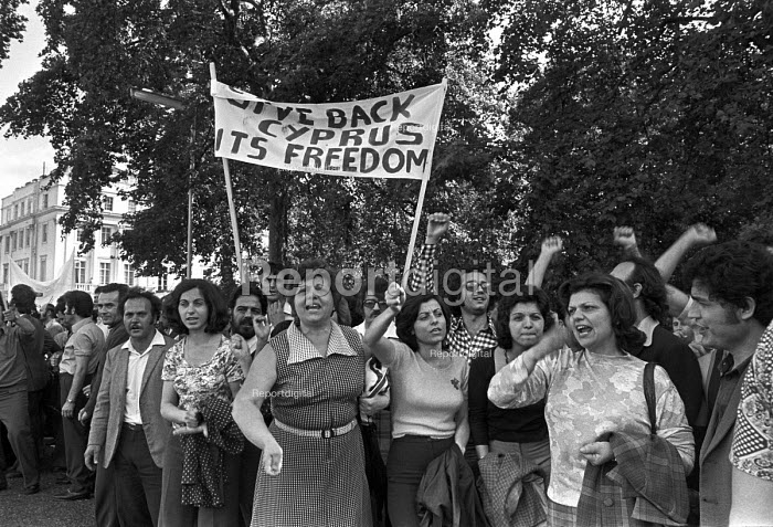 London 1974 Greek and Turkish Cypriots protest at the... - NLA, NLA1706051.jpg