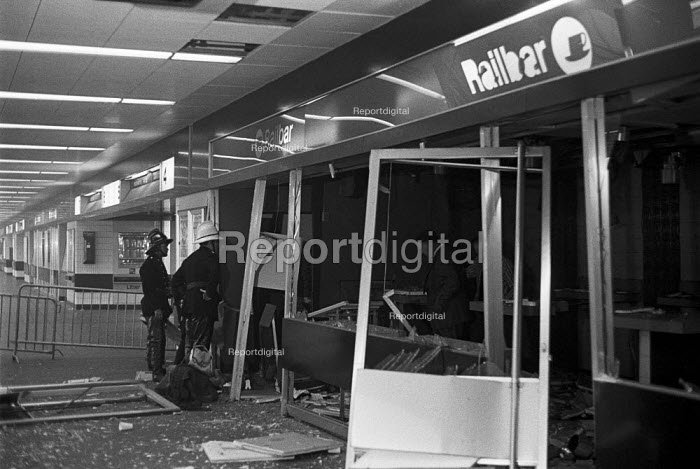 IRA Bombing 1973, blowing up a snack bar at Euston Railway... - NLA, NLA1611030.jpg