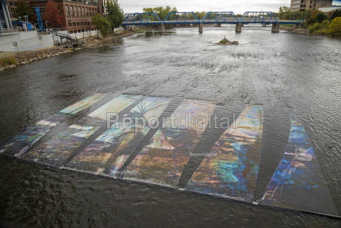 Grand Rapids, Michigan, USA, ArtPrize competition OilWater... - Jim West, JW1710026.jpg