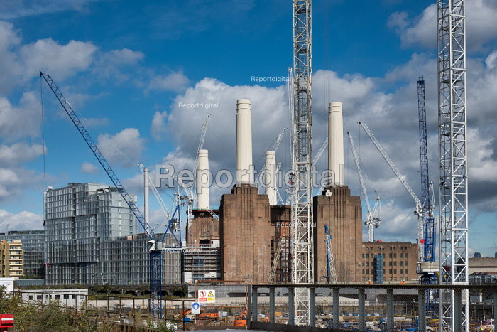 Construction of apartment blocks at the former Battersea... - Philip Wolmuth, pw1710033.jpg