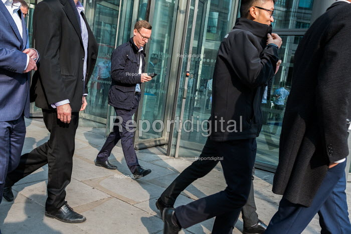 Lunchtime pedestrians outside RBS HQ, City of London business district - Philip Wolmuth - 2017-10-16