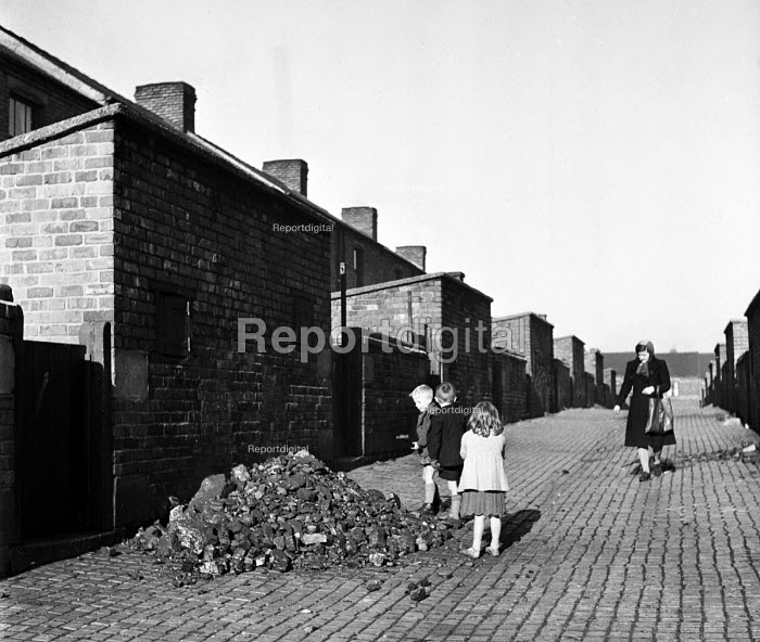 Miners children playing with coal, back streets, Easington... - Elisabeth Chat, RAEC4832b.jpg