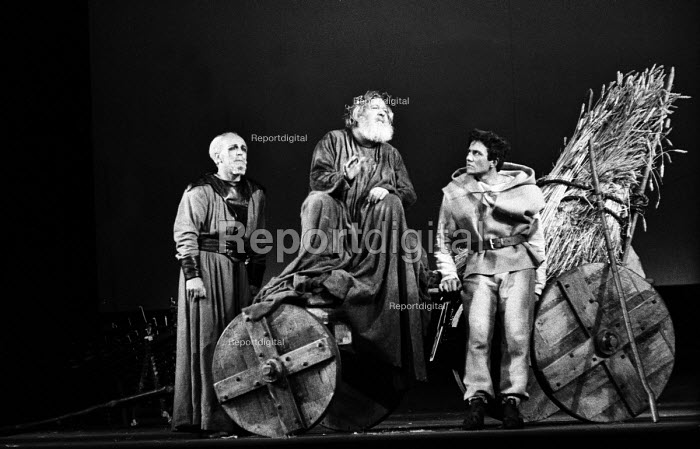 RSC 1959 production of KIng Lear by William Shakespeare... - Alan Vines, RAAV59100.jpg
