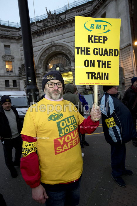 RMT picket line, dispute over safety and guards on trains, Waterloo Station London - Jess Hurd - 2018-01-08