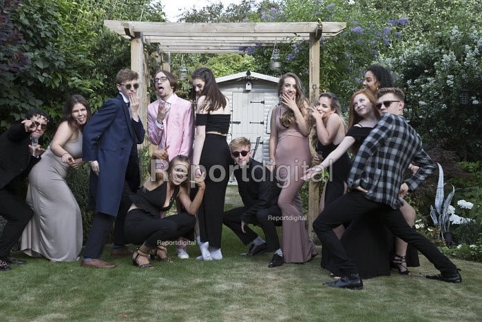 School Prom party at the end of 6th form. Alcester Grammar School pupils, Startford upon Avon, Warwickshire - John Harris - 2017-07-10