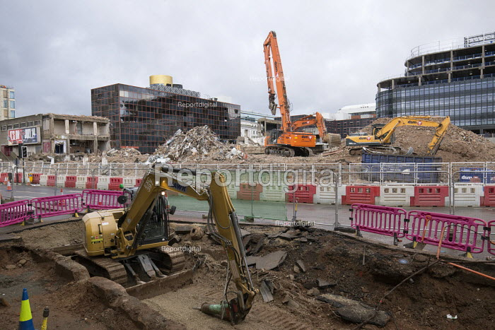 Carillion liquidation putting thousands of jobs at risk. Work has stopped on the 700 million Paradise redevelopment in Birmingham city centre - John Harris - 2018-01-15