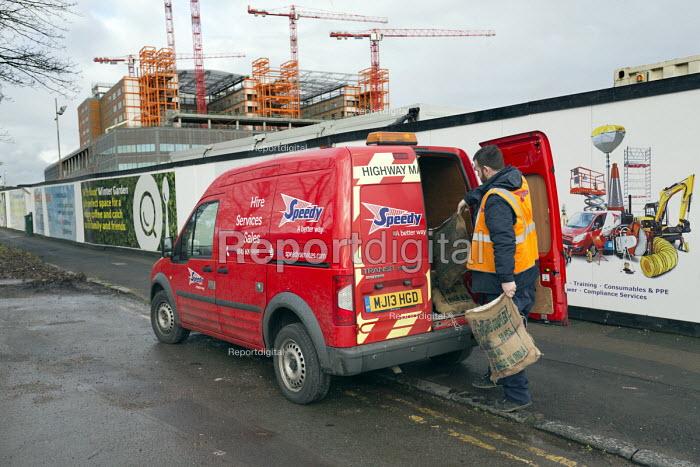 Carillion liquidation, thousands of jobs at risk. Work has stopped the 350 million Midland Metropolitan Hospital, Smethwick, Birmingham. Speedy Hir subcontactor leaving the site - John Harris - 2018-01-15