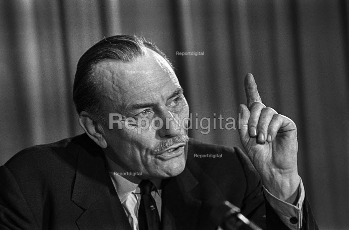 Enoch Powell MP, Committee for Safeguards on the Common Market Campaign press conference 1976 - Martin Mayer - 1976-06-03