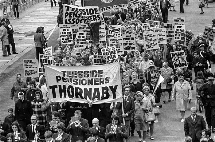 Teesside Pensioners protest, TUC conference, Blackpool, 1973 for a higher state pension - Peter Arkell - 1973-09-02