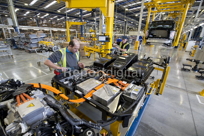 LEVC London EV Company electric Taxi factory, Coventry. Battery power pack - John Harris - 2018-01-18