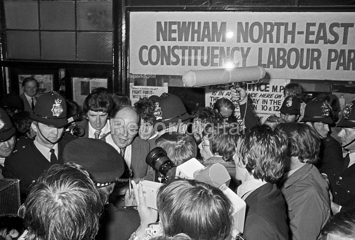 Deselection of Reg Prentice MP 1975. Reg Prentice leaving Newham North East Constituency Labour Party meeting having been deselected as the MP - NLA - 1975-07-23