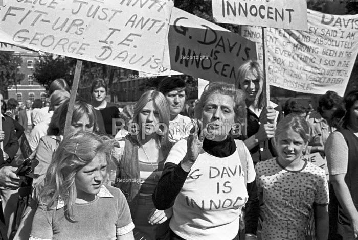 Protest march to demand the release of George Davis, London 1975 jailed for robbery he did not commit. The Campaign became famous under the slogan George Davis is Innocent OK - NLA - 1975-09-21