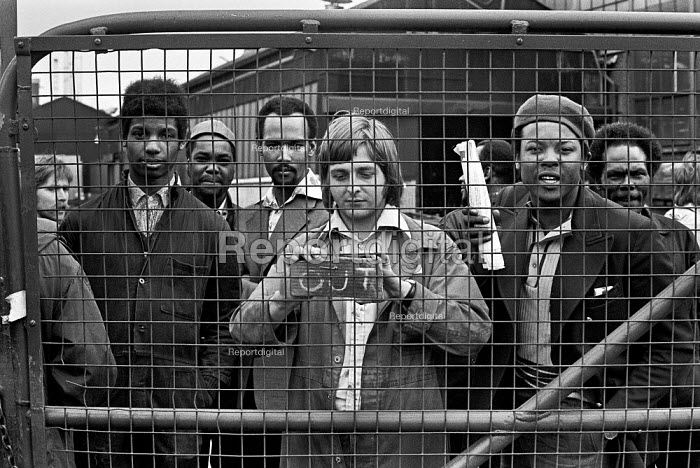 Ford workers occupy Dagenham factory in a pay dispute, Essex 1975 - Martin Mayer - 1975-04-29