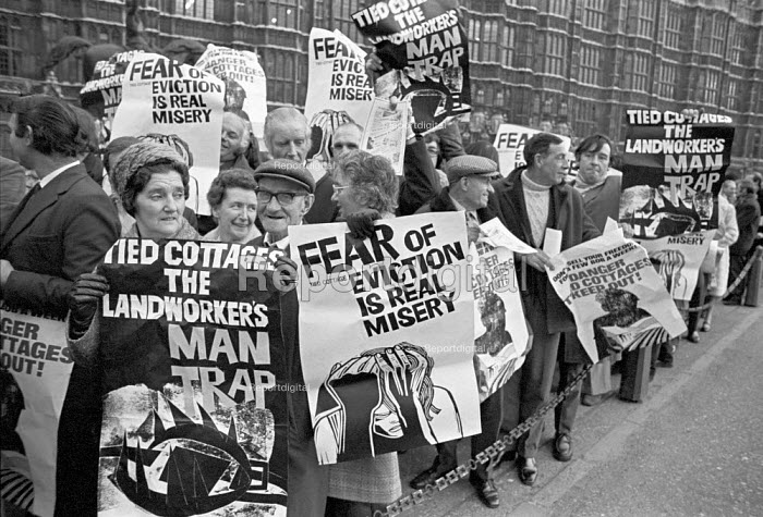 Agricultural workers lobbying Parliament over tied cottages and forced evictions from their homes, London 1975 - NLA - 1975-12-03