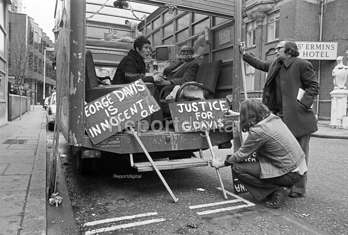 Goerge Davis is Innocent campaign 1975. Rose Davis, with supporters, at a vigil outside Scotland Yard to highlight the miscarriage of justice when her husband was jailed for an armed robbery he did not commit. He was later released. - NLA - 1975-12-26