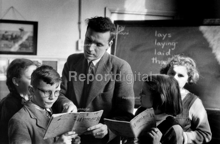Teacher and pupils, Maths lesson, Secondary school London 1949 - Elisabeth Chat - 1949-03-24