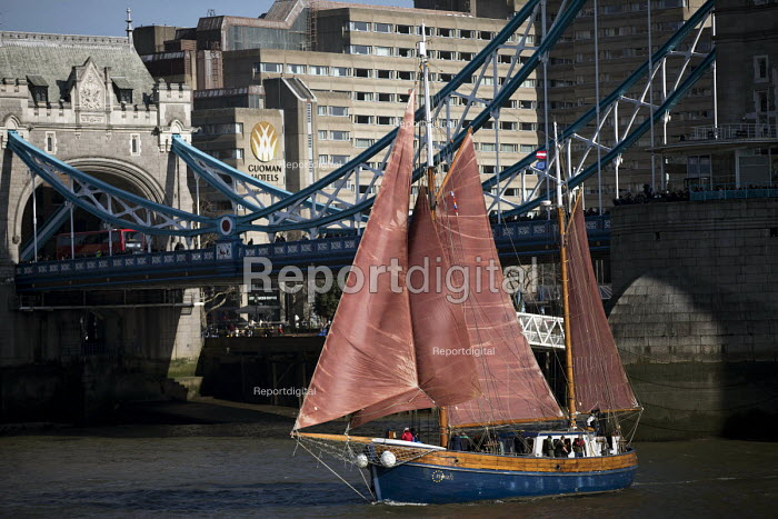 Thames Sailing Barge, Tower Bridge, London - Jess Hurd - 2018-02-24