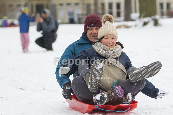 Sledging in St Andrews Park, Bristol - Paul Box - 2018-03-02