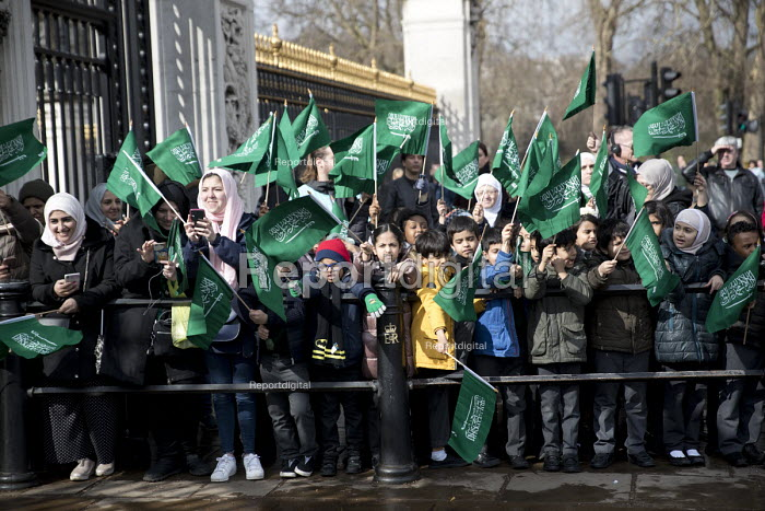 School children welcoming Saudi Prince Mohammed Bin Salman outside Buckingham Palace where he was to lunch with the Queen. The pupils are from The King Fahad Academy School, London - Jess Hurd - 2018-03-07