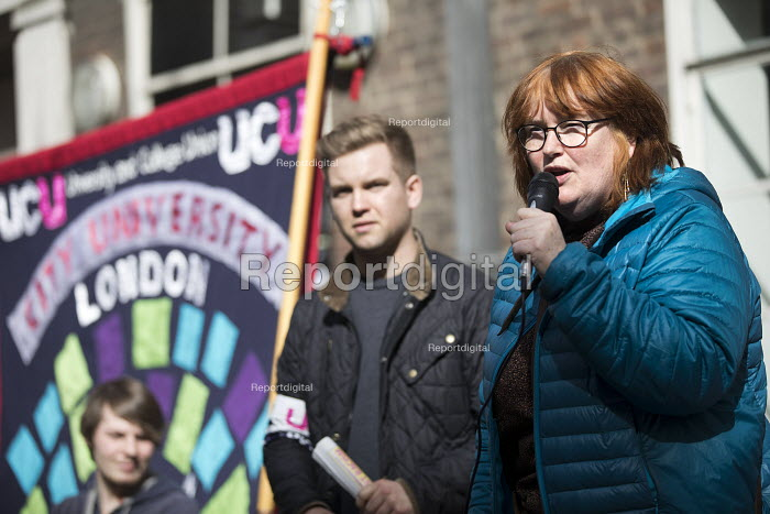 Elaine Heffernan speaking, UCU university lecturers pensions strike, London - Jess Hurd - 2018-03-14