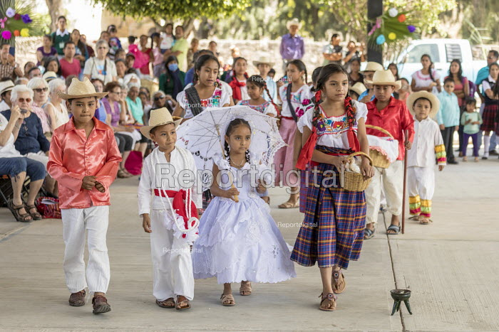 San Juan Teitipac, Oaxaca, Mexico Children performing at a Zapotec Heritage Fair, celebrating the culture and heritage of the region. Performing a wedding procession - Jim West - 2018-02-22