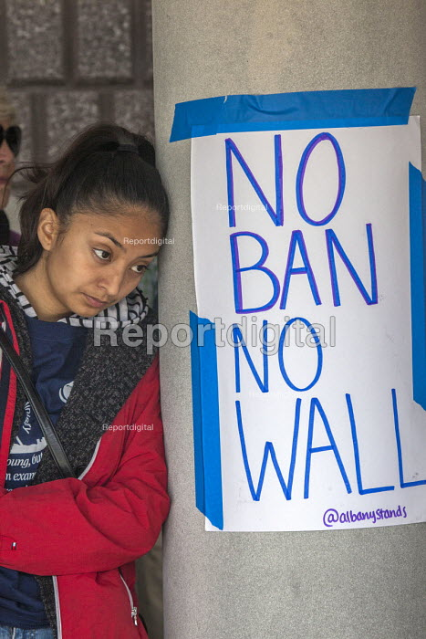 California, USA People of faith and immigrant families hold a protest vigil at The Richmond Detention Center where immigrants are imprisoned before being deported. No Ban No Wall - David Bacon - 2018-04-07