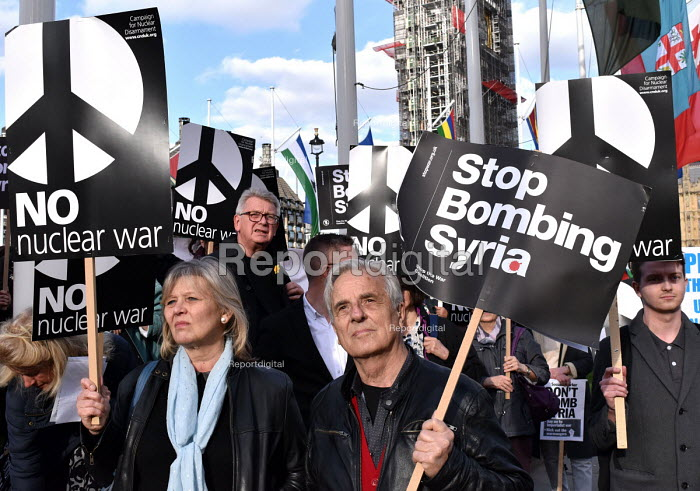 Stop The War Coalition Don't Bomb Syria rally, Parliament Square, London. Protest against airstrikes by UK, French and American forces - Stefano Cagnoni - 2018-04-16