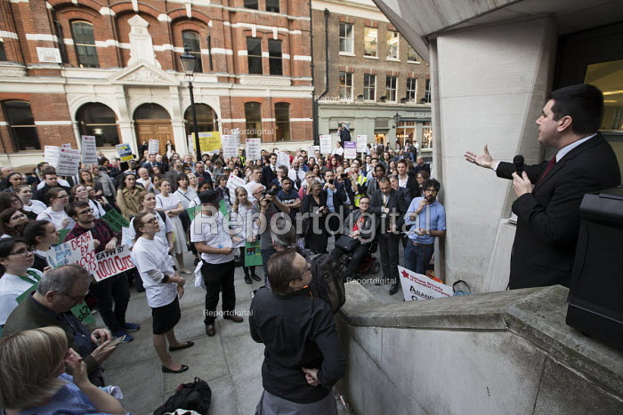 Richard Burgon MP speaking Vigil for Justice defending legal aid, Justice Alliance, Ministry of Justice, London - Jess Hurd - 2018-04-18