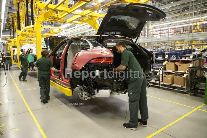 Jaguar Land Rover factory, Solihull - John Harris - 2017-08-21
