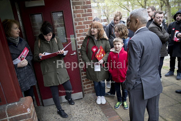 Sadiq Khan campaigning with Dr Rosena Allin-Khan MP and Harriet Harman MP, Labour Party local election campaign, Earlsfield ward, Wandsworth, London - Jess Hurd - 2018-04-29