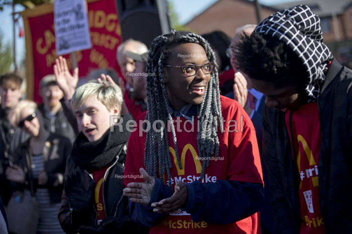 McDonalds workers strike for £10 per hour, an end to zero hours contracts and union recognition on International Workers Day, Cambridge - Jess Hurd - 2018-05-01