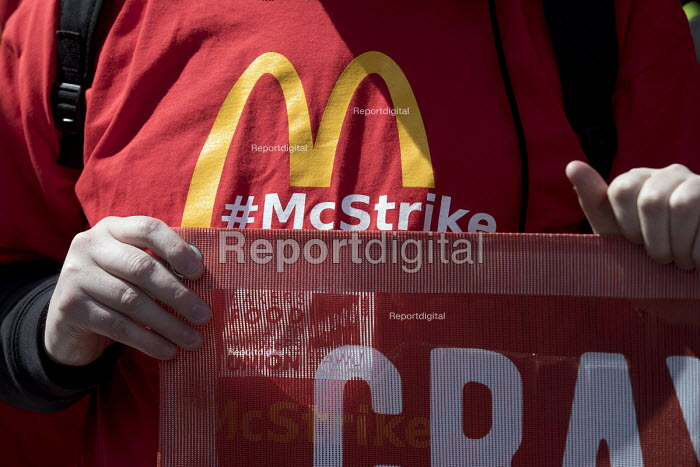 McDonalds workers strike for £10 per hour, an end to zero hours contracts and union recognition on International Workers Day, Watford, home to global CEO Steve Easterbrook - Jess Hurd - 2018-05-01