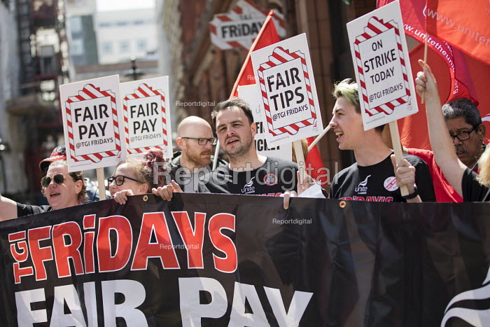 TGI Fridays fair pay and fair tips strike, Covent Garden, London - Jess Hurd - 2018-05-18