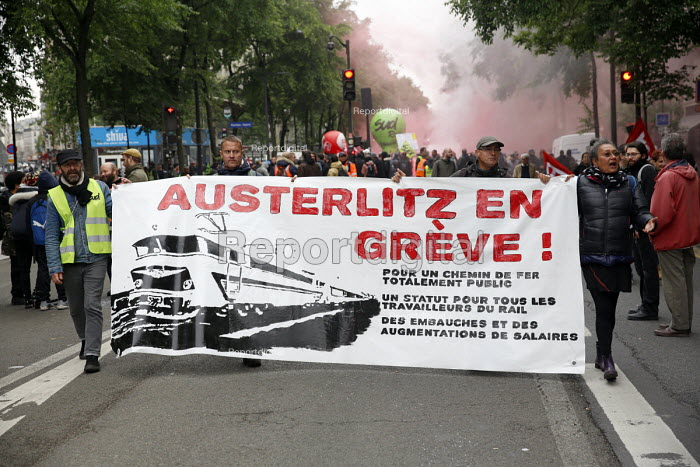 Paris, France: Protest by railway workers against Macron privatisation of the French National Railways (SNCF) and removal of railway workers statute. For a public railway - Nicolas Tavernier - 2018-05-14