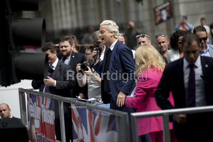 Geert Wilders, Dutch MP and leader of the far right Freedom Party speaking at protest in support of Tommy Robinson, Whitehall, London. - Jess Hurd - 2018-06-09