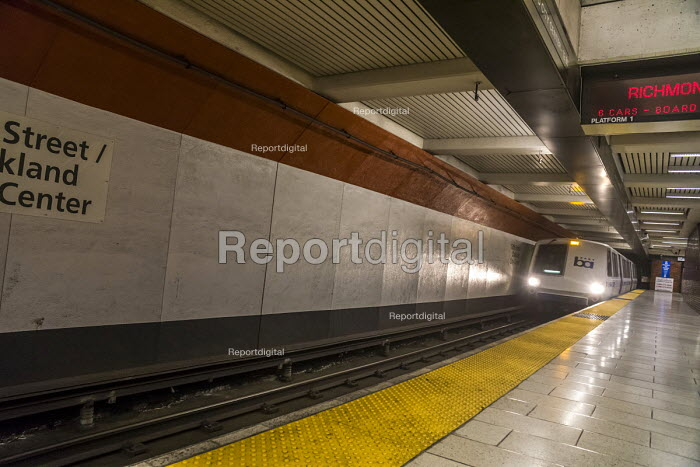San Francisco, California, USA: Bay Area Rapid Transit... - David Bacon, DNB180619.JPG